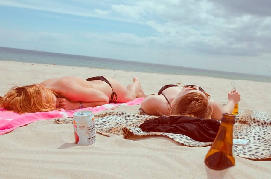 Skin Care Living - Tips on Getting a Sun-Kissed Skin During Summer